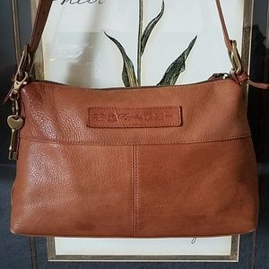 🌟 Fossil 1954 Vintage Leather Shoulder Bag 🌟